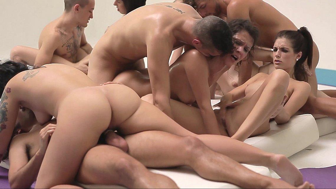 Спортсмены занимаются порно 3 фотография