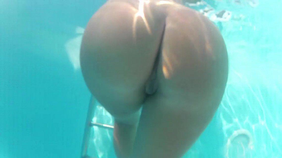 smotret-porno-video-pod-vodoy