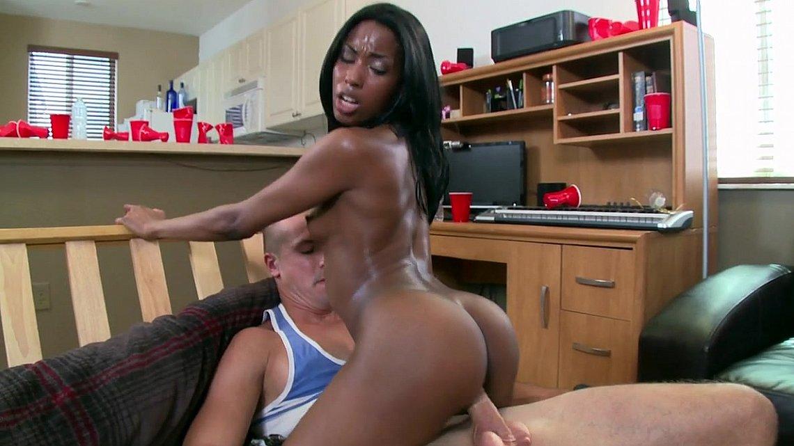 Amateur Black Women Sucks Dick