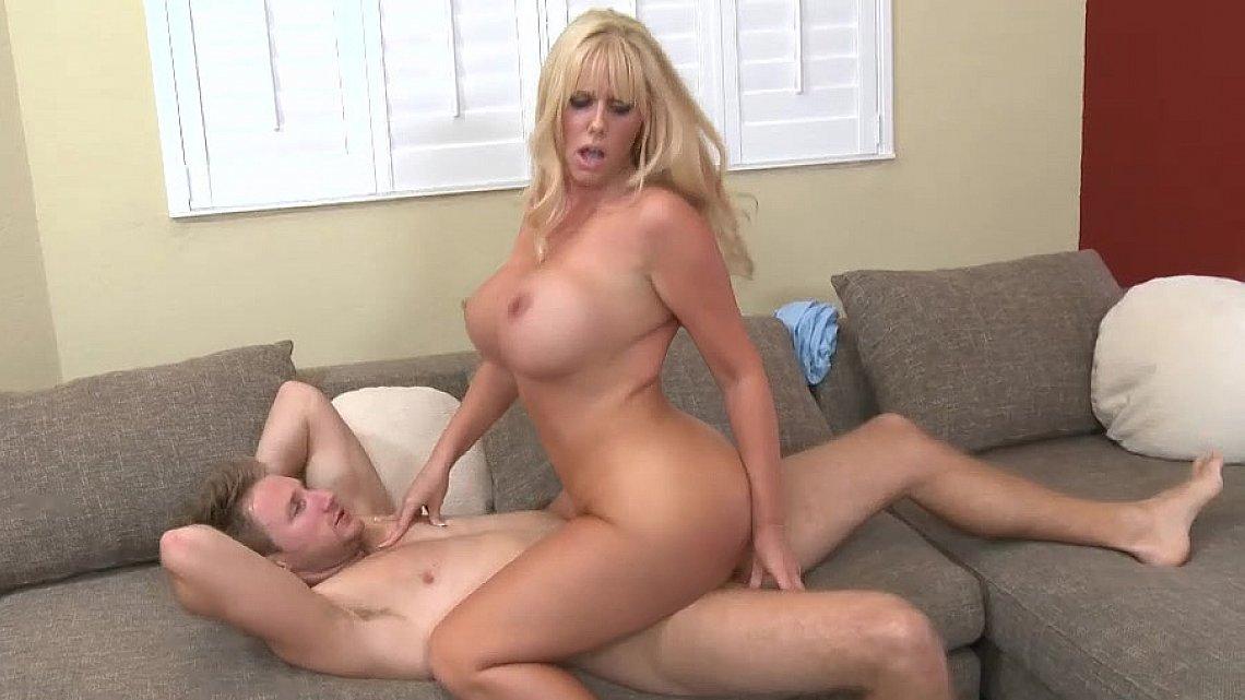 seksapilnaya-mamochka-smotret-video