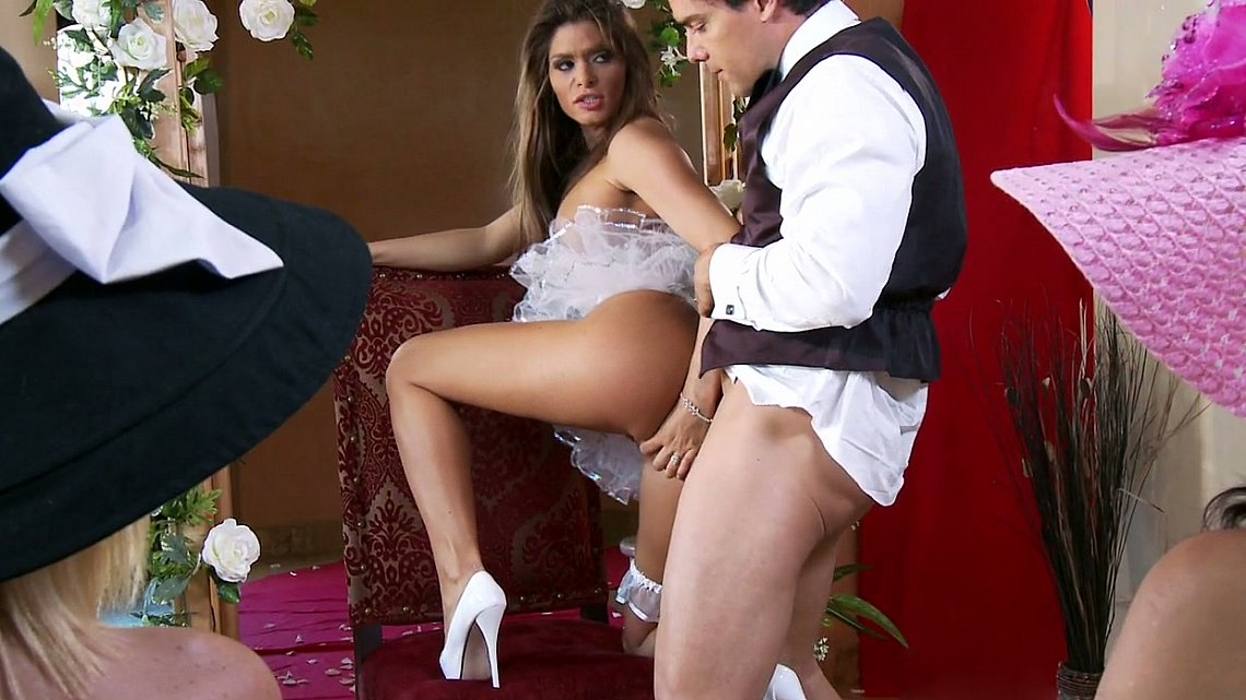 porno-v-belim-svadbe