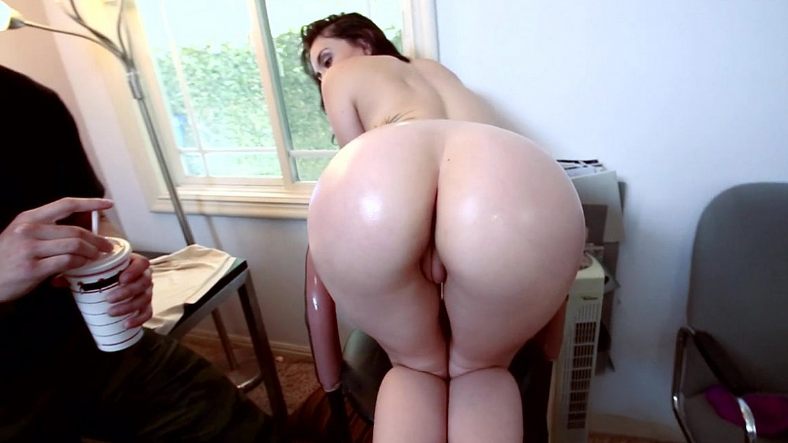 porno-tub-bolshie-zadnitsi