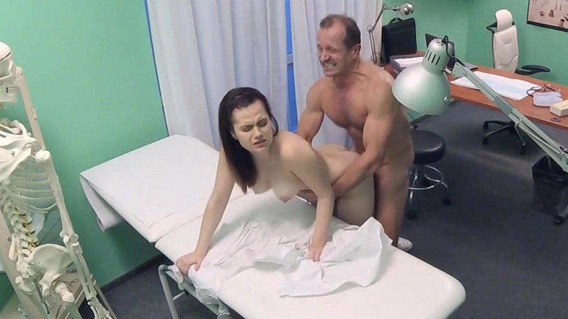 Порно тубе врач