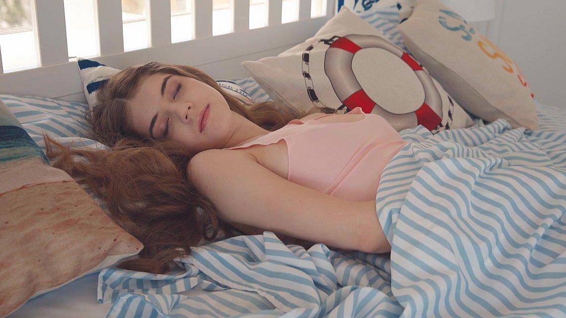 Эро видео спящую — 2